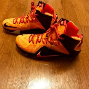 Lebron 12 *NEW WITHOUT BOX*